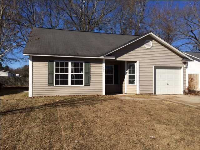 1304  Pinethicket Drive Summerville, SC 29483