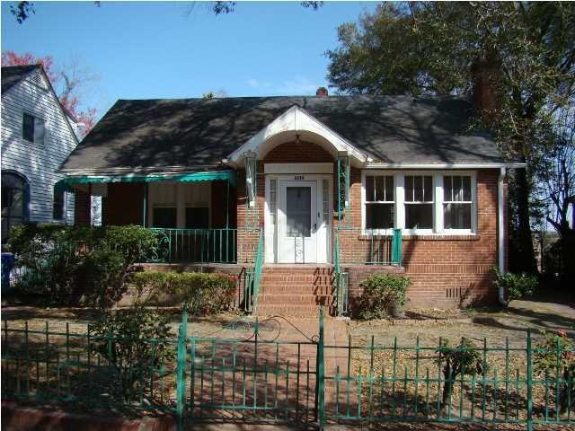 2326  Sunnyside Avenue Charleston, SC 29403