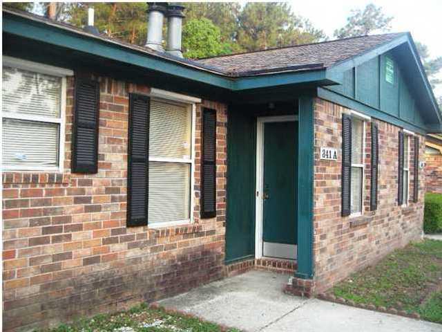 341  Dorchester Manor Boulevard North Charleston, SC 29420