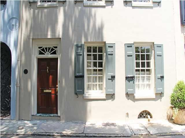 18  Elliott Street Charleston, SC 29401