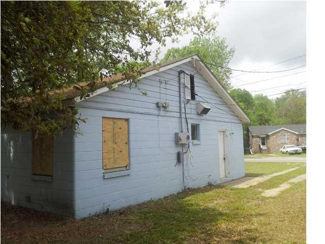 2175  Flora Street North Charleston, SC 29406