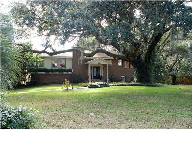 1057 Fort Sumter Drive Charleston, SC 29412