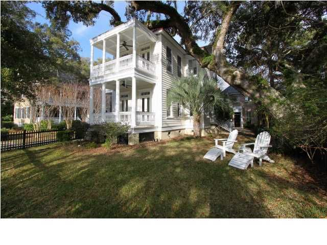 82 Shelmore Boulevard Mount Pleasant, SC 29464