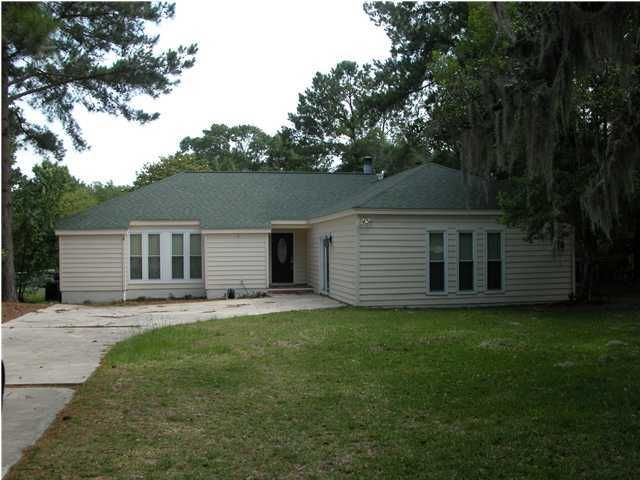 642  Williamson Drive Mount Pleasant, SC 29464