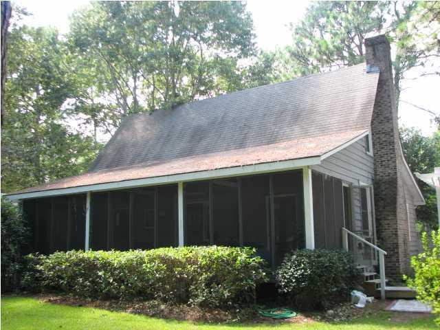 830 W Carolina Road Mcclellanville, SC 29458