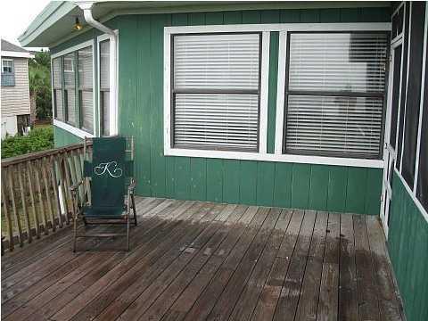 711 E Arctic Avenue Folly Beach, SC 29439