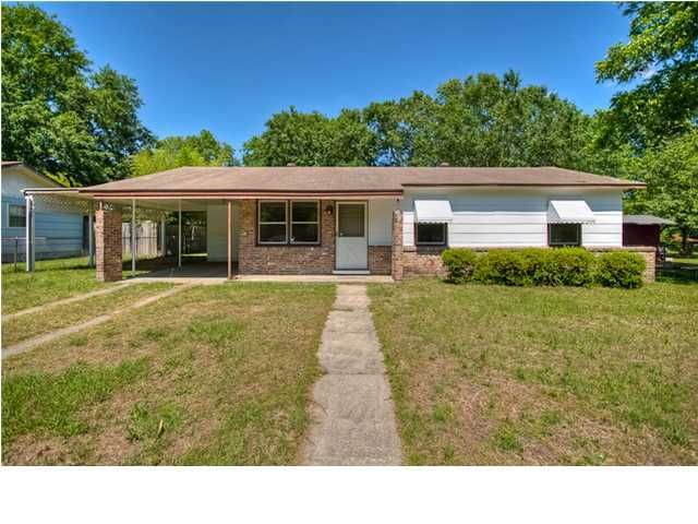 2649  Dellwood Avenue North Charleston, SC 29405