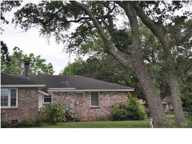 734  Creekside Drive Charleston, SC 29412
