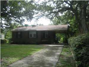 2734 Gordon Street North Charleston, SC 29405