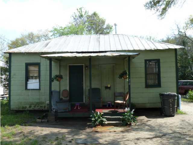 1819  Dayton Street Charleston, SC 29405