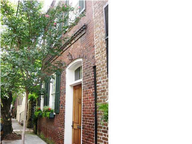 25 Wentworth Street Charleston, SC 29401