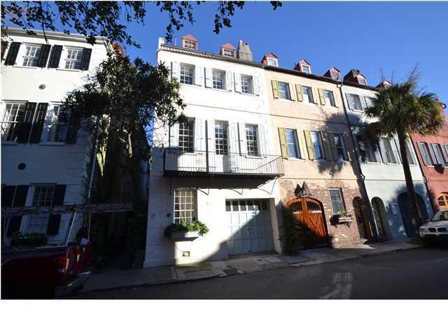 28 Queen Street Charleston, SC 29401