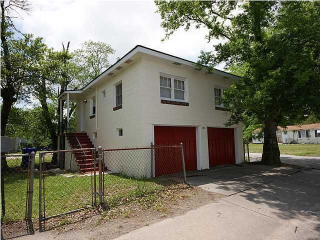 1551  Montague Avenue North Charleston, SC 29405