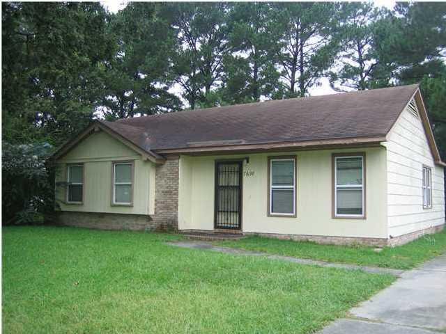 7697  Kings Grant Lane North Charleston, SC 29420