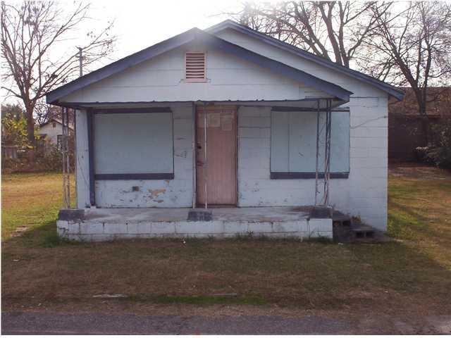 2035 Forest Avenue North Charleston, SC 29405