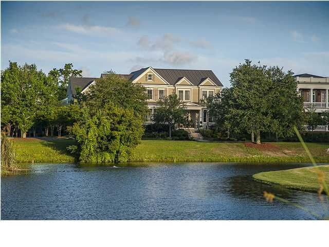 627 Island Park Drive Charleston, SC 29492