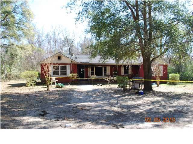 2749 Earthlee Lane Mount Pleasant, SC 29466