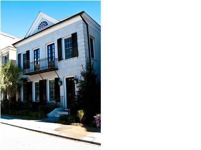 138 Ionsborough Street Mount Pleasant, SC 29464
