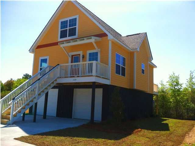 1039 Hunley Waters Circle North Charleston, SC 29405