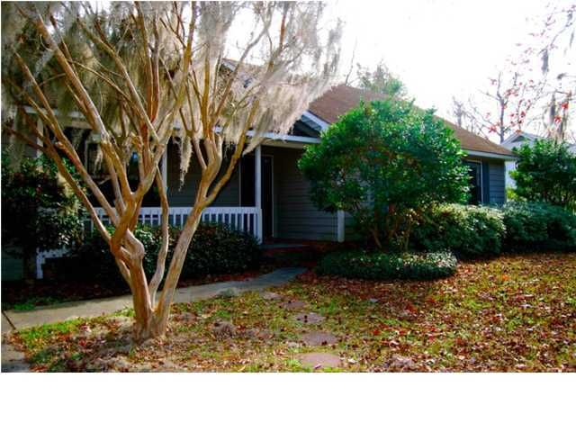 18  Paddlecreek Avenue James Island, SC 29412