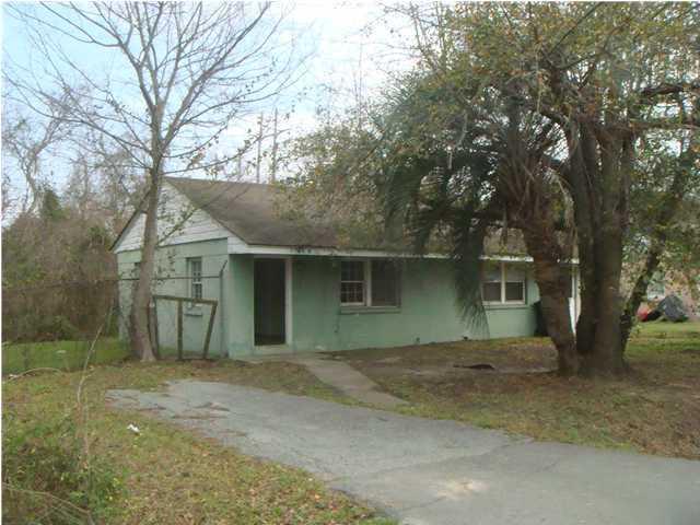 3108 Azalea Avenue North Charleston, SC 29405