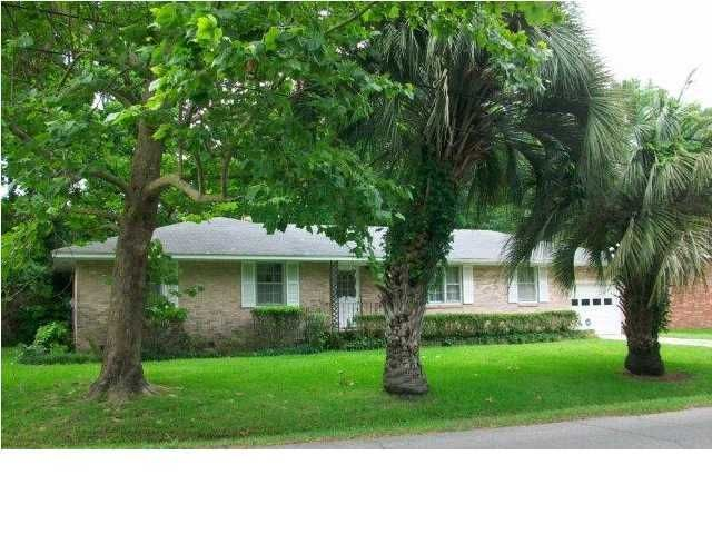30  Farmfield Avenue Charleston, SC 29407