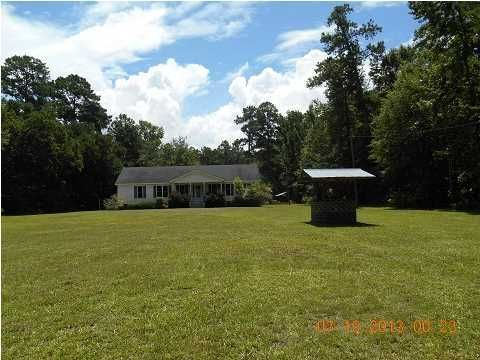 9943 Old Georgetown Road Mcclellanville, SC 29458