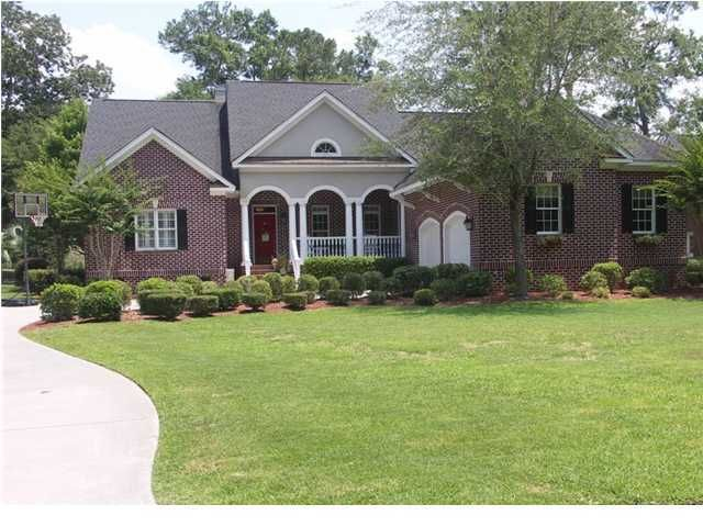 8654 W Fairway Woods Drive North Charleston, SC 29420
