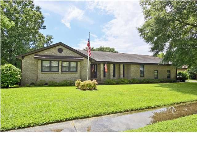 2252 Forest Lakes Boulevard Charleston, SC 29414