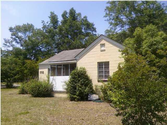 1710  Eugene Gibbs Street James Island, SC 29412