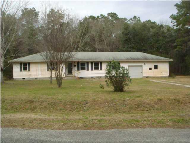 10062 Carolina Road Mcclellanville, SC 29458