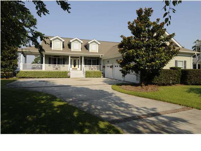 211 N Hampton Drive Bonneau, SC 29431