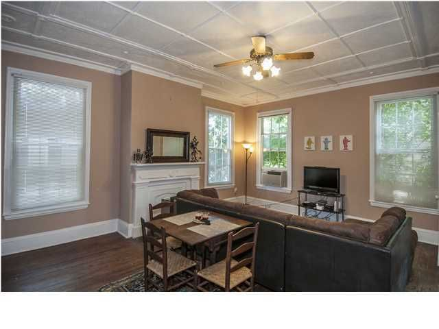 18  Limehouse Street Charleston, SC 29401