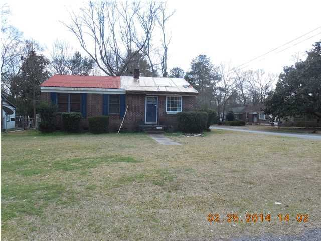 1607  Marietta Street North Charleston, SC 29406