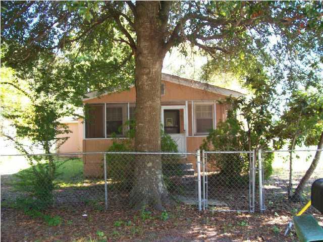 694 York Street Mount Pleasant, SC 29464