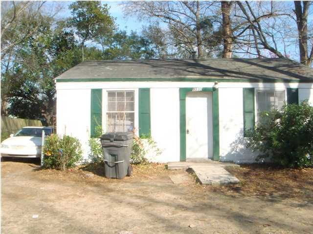 5130  Rockingham Street North Charleston, SC 29405