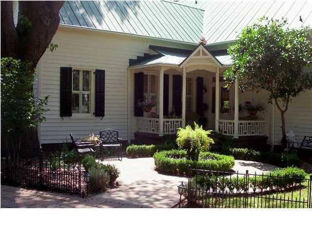 123 Hibben Street Mount Pleasant, SC 29464