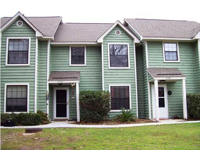 1752  Deer Path Drive Charleston, SC 29464