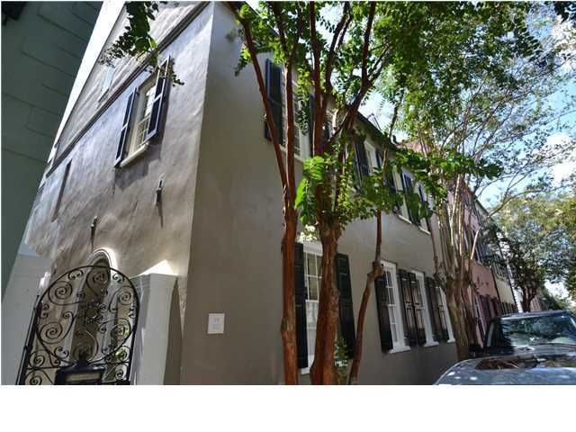 19 Tradd Street Charleston, SC 29401