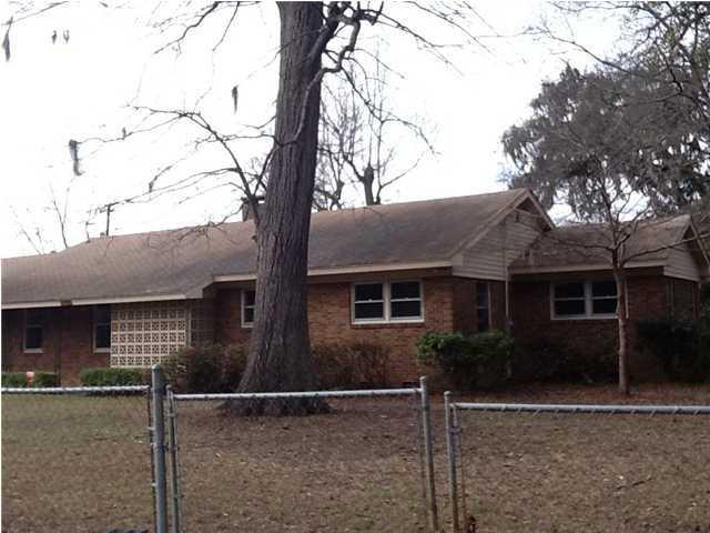 1350  Mosstree Road North Charleston, SC 29405