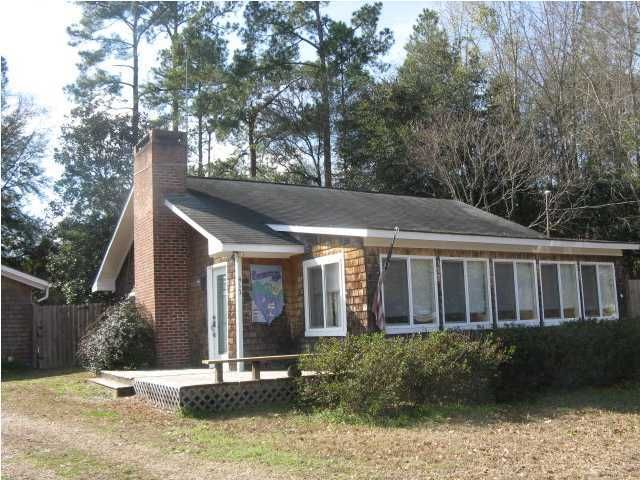 413  Fountain Lake Drive Eutawville, SC 29048