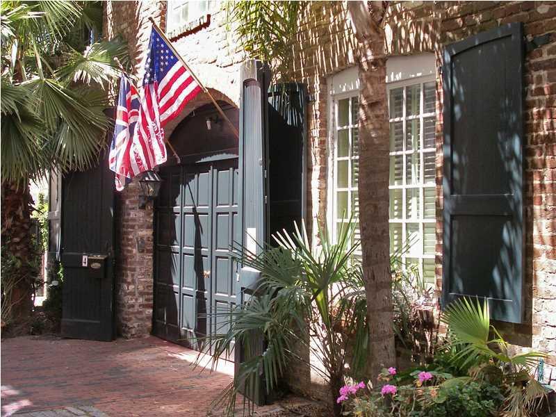 4 Unity Charleston, SC 29401