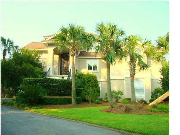 1563 Headquarters Plantation Drive Johns Island, SC 29455