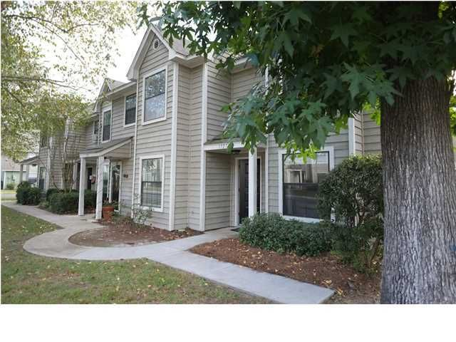 1727  Deer Path Drive Mount Pleasant, SC 29464