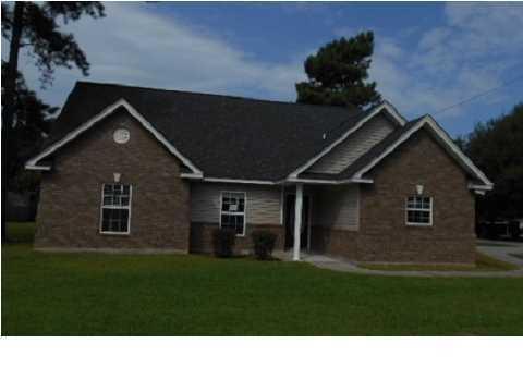 2951  Fernwood Drive North Charleston, SC 29406