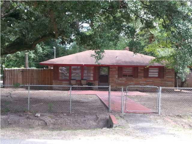 2313  Falcon Road North Charleston, SC 29406