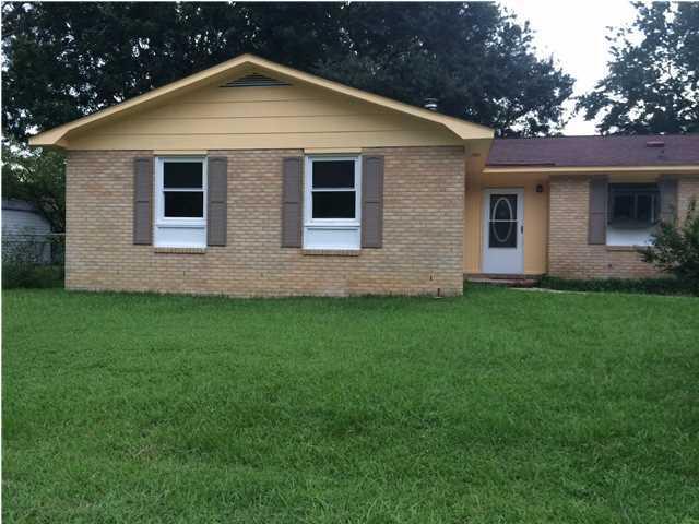 4839  Foxwood Drive North Charleston, SC 29418
