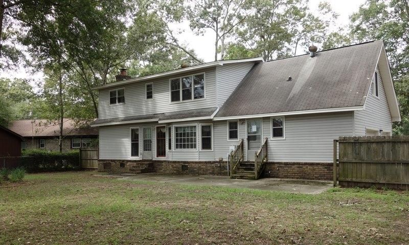 5913  Commonwealth Circle Hanahan, SC 29410
