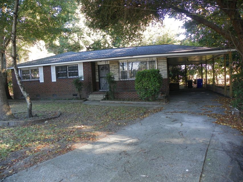 2001 Sylvia Street North Charleston, SC 29406