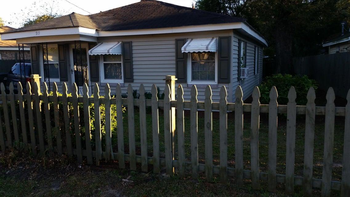 919  Hillsboro Drive Charleston, SC 29407